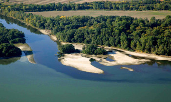 Zsolt Kalotás / Duna-Ipoly National Park - Inflow of Garam River to the Danube