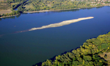 Zsolt Kalotás / Duna-Ipoly National Park - Inflow of the Ipoly River to the Danube