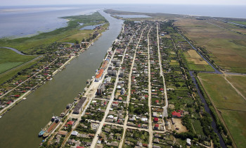 Daniel Petrescu / Danube Delta Biosphere Reserve Authority - Mouth of the Sulina channel to the Black Sea